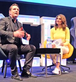Top-Speaker, Unternehmer und Investor Ralf Dümmel im Interview mit Sarah Elßer. Foto: Diether v. Goddenthow