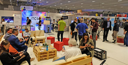 Impression Expo Area. Foto: Diether v. Goddenthow