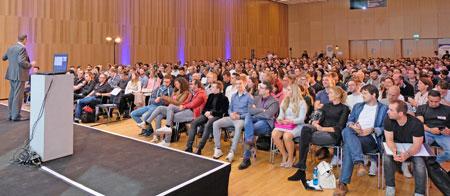 Impression aus einem der 7 Hörsäle des Campus Stages im RMCC. Foto: Diether v. Goddenthow